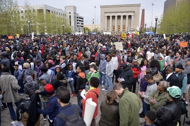 В Балтиморе уличные беспорядки