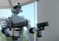 Российский робот Фёдор стреляет с двух рук