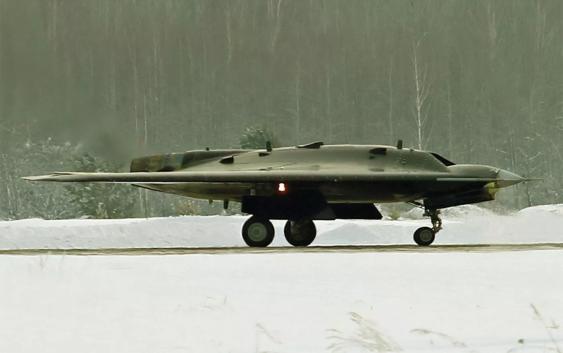 Военный беспилотник «Охотник» появился в воздухе!