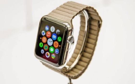Часы Apple Watch поступили в продажу