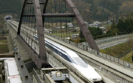 В Японии поезд на магнитной подушке поставил рекорд скорости
