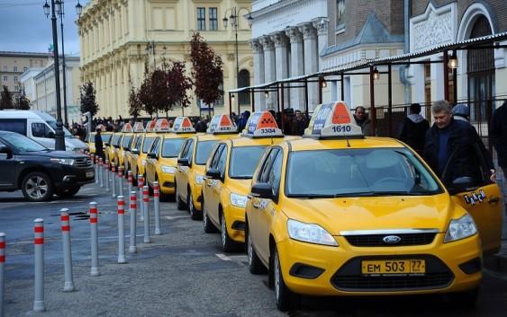 Во сколько оценивается рынок такси России?